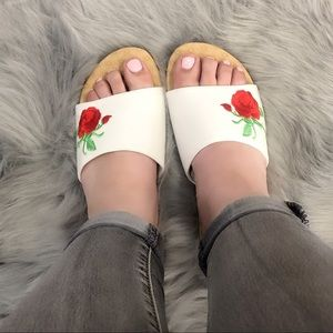 Shoes - White Slides/Sandals Very Comfortables